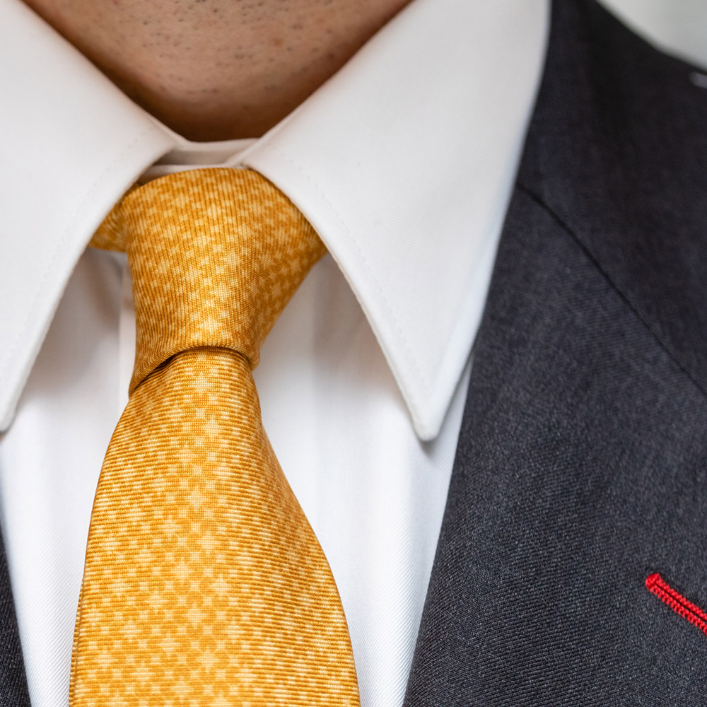 Krawattenknoten Four-in-Hand Stoffwerk